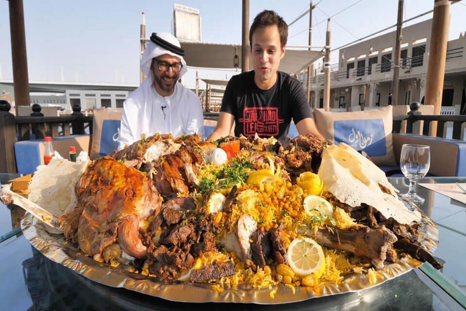 món ăn lạc đà nhồi thịt