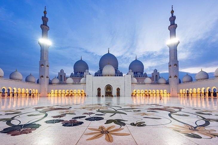 thánh đường hồi giáo sheikh zayed tại uae